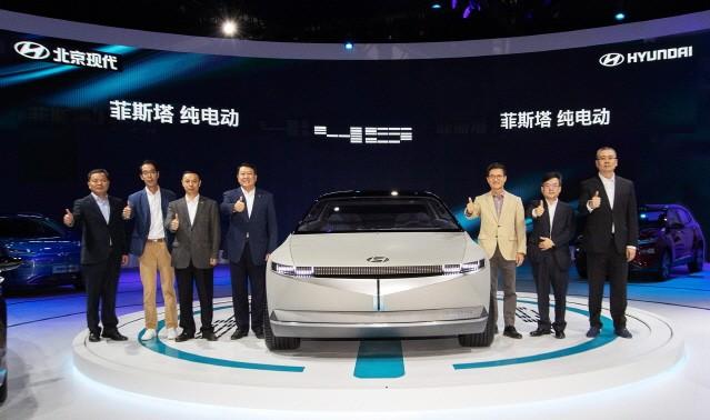 현대차, 2019 광저우 국제 모터쇼에 '라페스타 전기차' 공개