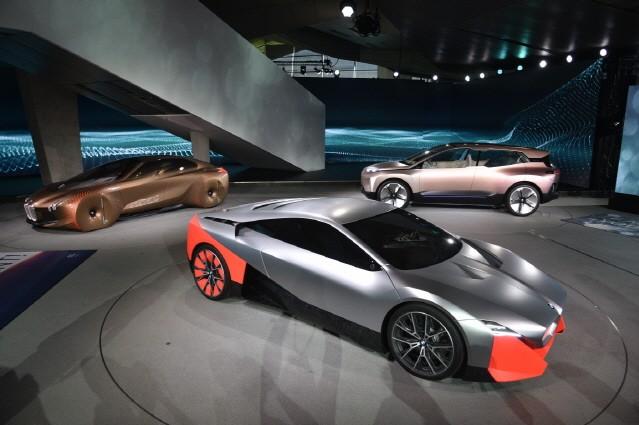 BMW, 전동화 모델 대거 투입…수소전기차 2022년 양산