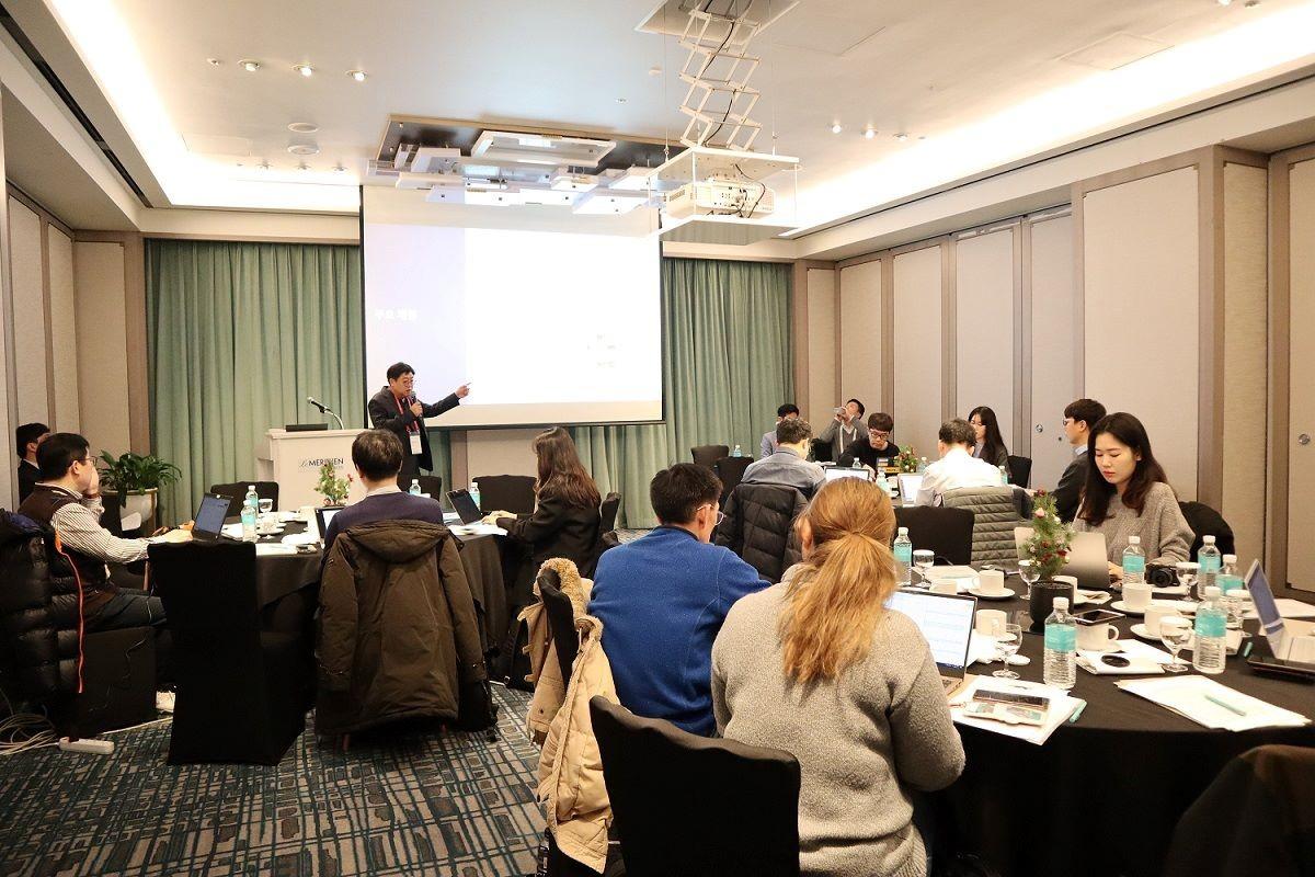태블로 소프트웨어 코리아 기자간담회에서 김성하지사장이 데이터 준비성 지수와 한국 비즈니스 전략을 발표하고 있다. 사진 제공=태블로 소프트웨어