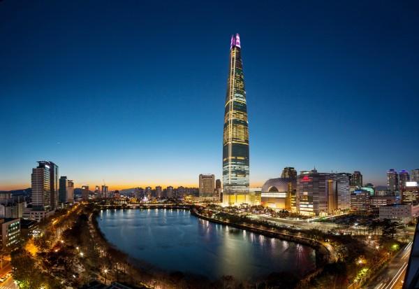 롯데월드타워가 2020 새해맞이 카운트다운 행사를 개최한다. 출처=롯데물산