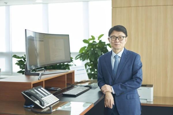 President Jeon Sung-ho of SoluM