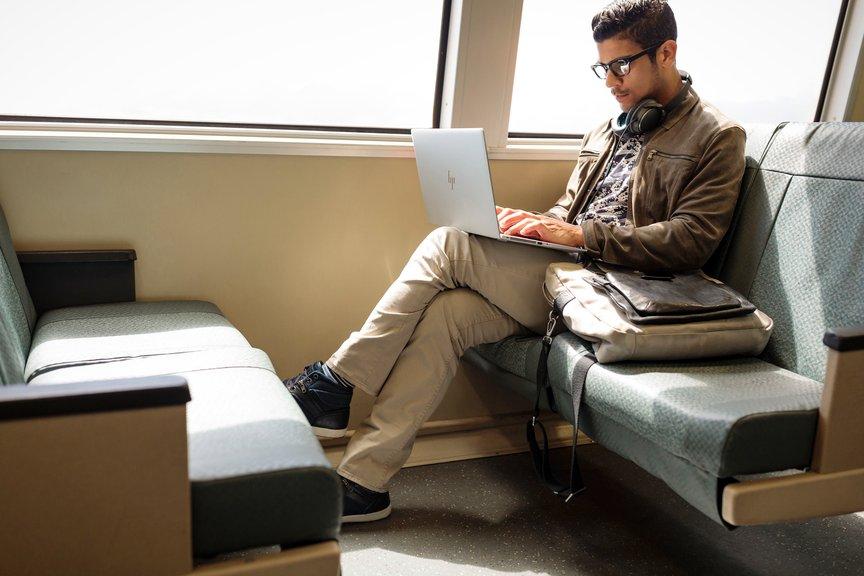 [터치앤리뷰] 'HP 엘리트북 x360 1040 G6'...이름값 하네?