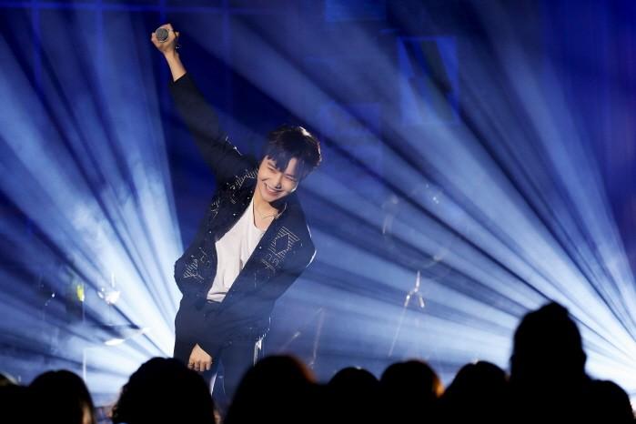 10일 서울 용산구 노들섬 라이브하우스에서는 펜타곤 진호 미니 라이브 '매거진호 VOL.3 -OFF STAGE- '1일차 공연이 열렸다. (사진=큐브엔터테인먼트 제공)