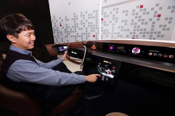 LG Display's automotive pOLED display