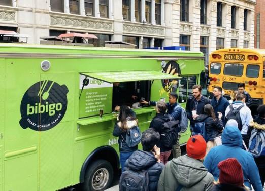 CJ제일제당이 지난 5일(현지시간 기준) 미국 뉴욕 맨해튼에 위치한 뉴욕대 앞에서 비비고 푸드트럭을 운영했다. 출처=CJ제일제당