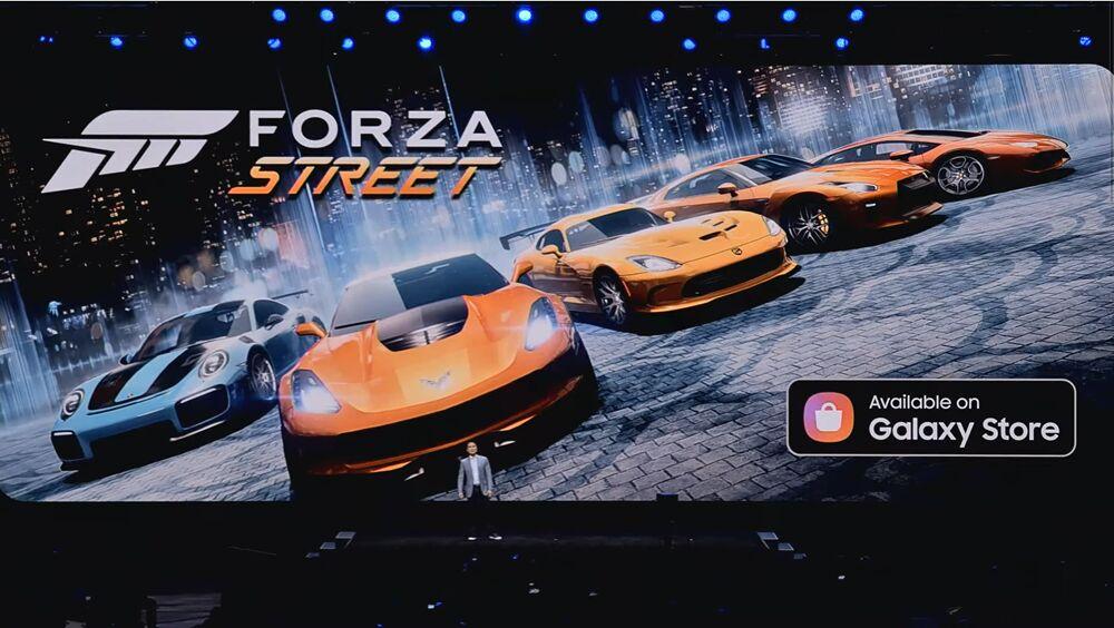 갤럭시 언팩 2020 현장에서 인기 엑스박스 게임 포르자 스트리트 제공 소식을 전하고 있다. [사진=삼성전자]