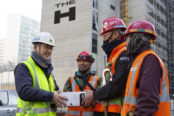 현대건설, 안전관리자 정규직화, 안전 비용 투자 대폭 확대