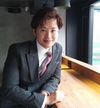 김용훈 정치경제평론가