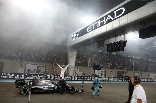 메르세데스-AMG, W11 EQ 퍼포먼스로 7년 연속 더블 챔피언 도전
