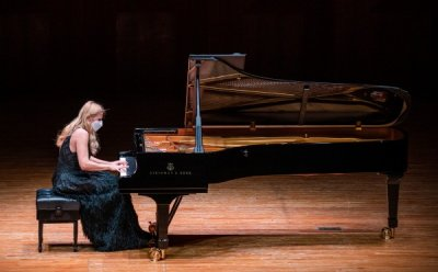 [ET-ENT 클래식] 발렌티나 리시차 피아노 리사이틀 '격정과 환희' 피아니스트가 공연 중 쏟은 눈물의 의미는?