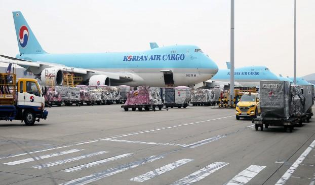 수출 관문 가운데 하나인 인천공항 화물터미널 모습.
