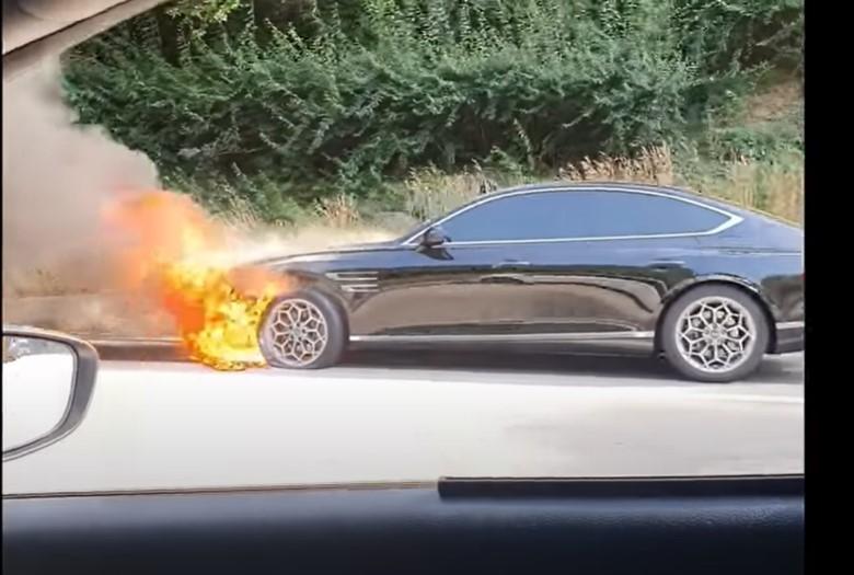 4일 오후 발생한 제네시스 G90 화재.  사진=유튜브 캡처