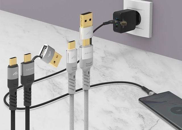 액세서리 전문기업 아트뮤가 USB포트와 C 타입을 모두 지원하는 고속충전케이블을 새롭게 내놨다.