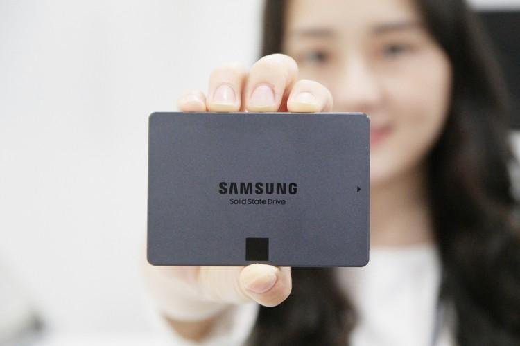 삼성전자 고용량 4비트 SSD '870 QVO' [사진=삼성전자]