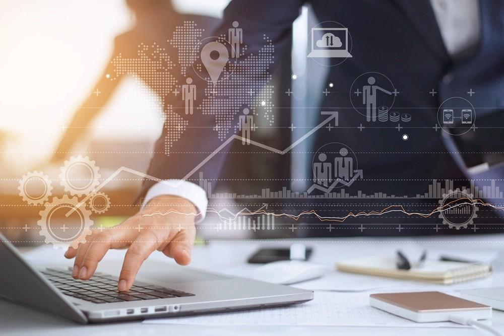 뉴노멀 시대, 데이터 중심 지능형 기업이 되려면?