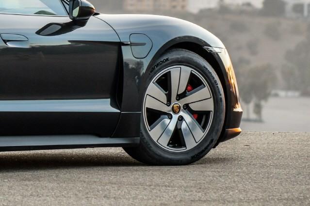 한국타이어, 포르쉐 전기 스포츠카 '타이칸'에 타이어 공급