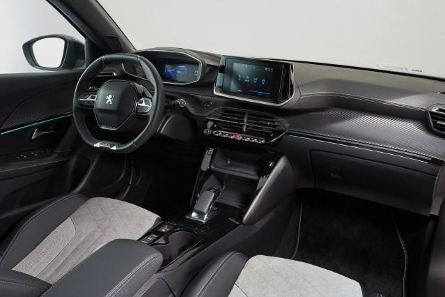 푸조, 올 뉴 2008 SUV 공개…디젤·전기차 등 2종류로 시장 공략