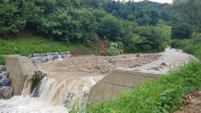 폭우 쏟아진 충주, 사방댐이 살렸다
