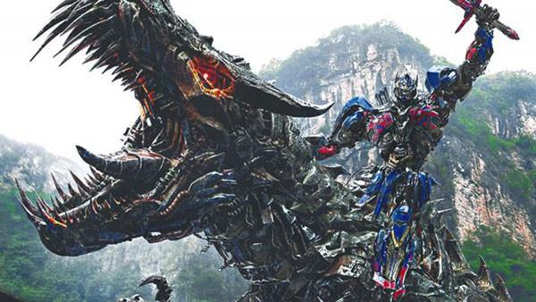 중국의 자본이 투입된 대표적인 헐리우드 영화 트랜스포머: 사라진 시대  출처 = 영화 스크린샷