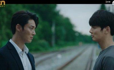 [ET-ENT 드라마] '트레인'(8) 1인 2역의 윤시윤! 서로에게 팩트 폭력을 하는 도원A와 도원B!