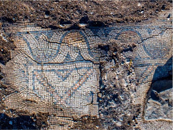고대 교회의 모자이크 바닥(제공:이스라엘 문화재 관리국)