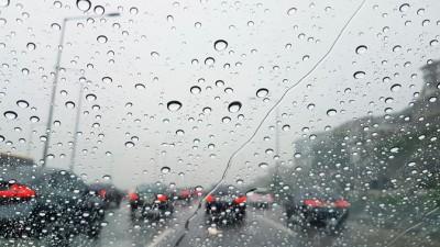 위험한 빗길 운전 대비한 '배수성포장' 확대 시행