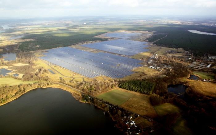 한화큐셀이 건설한 독일 브란덴부르크 태양광 발전소(제공:한화큐셀)