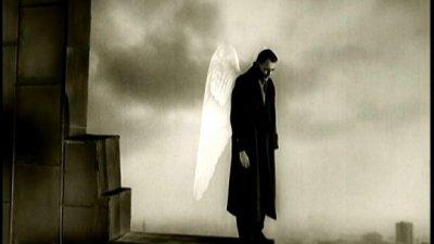 [안치용의 시네마 인문학] 인간이 된 천사의 이야기, 영화 '베를린 천사의 시'