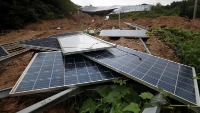 정부 태양광에너지 확대 정책 속 폐패널 환경오염 심각