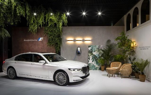 [체험기] BMW 럭셔리 클래스에서 승효상 건축가를 만나다