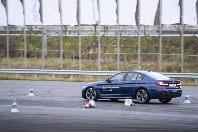 [체험기] BMW는 왜 우리를 미치게 하는가