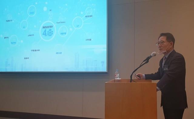 26일 백성현 티엘비 대표가 서울 여의도 63빌딩에서 열린 코스닥 상장 기자간담회에서 사업개요와 비전을 설명하고 있다.