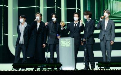 [종합] 2020 MAMA, 'BTS·보아 등 묵직한 음악연결, 새로운 대중의 힘이 되다'