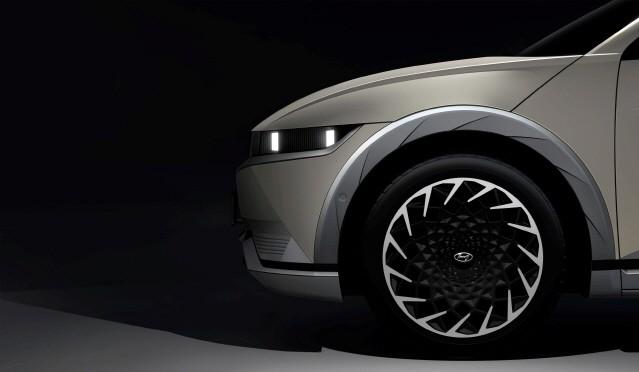 현대차, '아이오닉 5' 티저 이미지 최초 공개