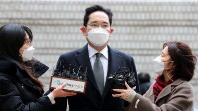 이재용 삼성전자 부회장,  2년6개월 징역 실형 선고...법정구속