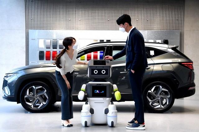 현대차그룹, 인공지능 서비스 로봇 'DAL-e' 공개