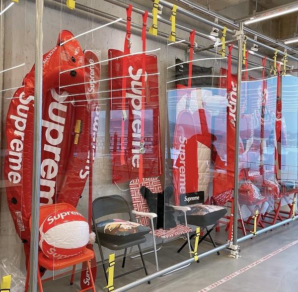 국내 최대 규모의 슈프림 전시장, 브런치카페와 만나다 '슈프림카페 그레드'