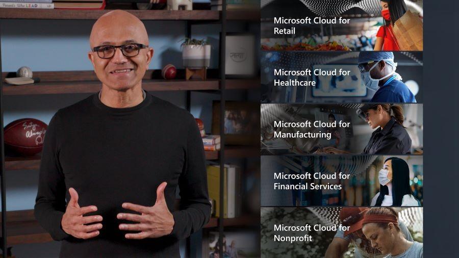 사티아 나델라(Satya Nadella) 마이크로소프트 CEO가 5대 산업 특화 클라우드를 소개하고 있다. 자료제공=마이크로소프트