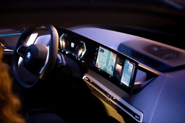BMW, 상호 작용 강화한 8세대 iDrive 공개