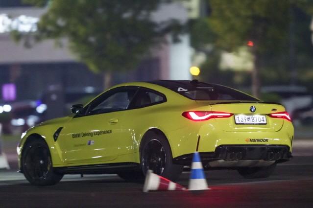 [시승기] '열광하거나, 못 따라오거나' BMW M3 & M4