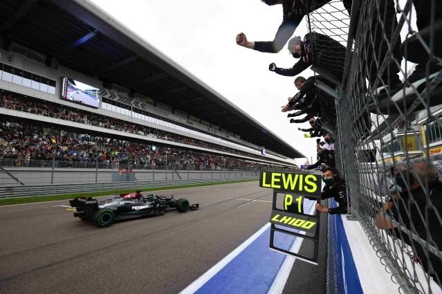 루이스 해밀턴, F1 러시아 그랑프리서 개인 통산 100승 달성
