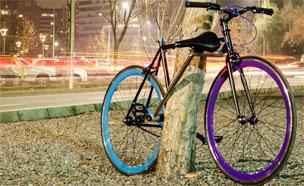 열쇠 필요 없어? 자물쇠 삼킨 자전거