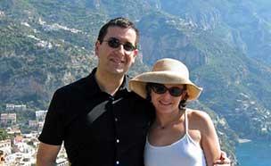 페이스북 COO 남편, 부인과 여행中 급사