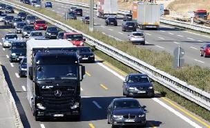 다임러 트럭 고속도로 자율주행 성공
