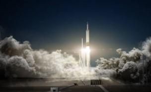 우주에 쏘아올린 테슬라 전기차, 화성 지나 태양계 여행