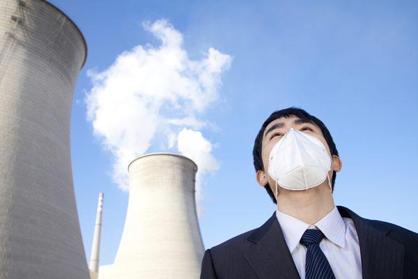 """문 대통령 """"노후 석탄화력 가동 멈춰라"""""""