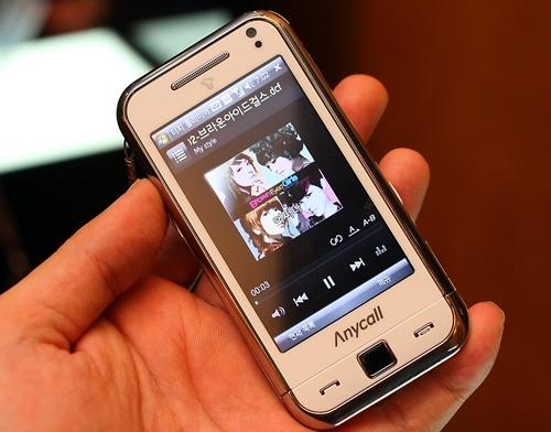 베일 벗은 'T옴니아' 만져보니…쓰기 쉬운 한국형 스마트폰