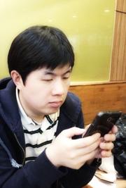 [라디오키즈의 아이템&트렌드]신흥시장 노리고 구글이 선보인 저가폰, 모토로라 모토 G.