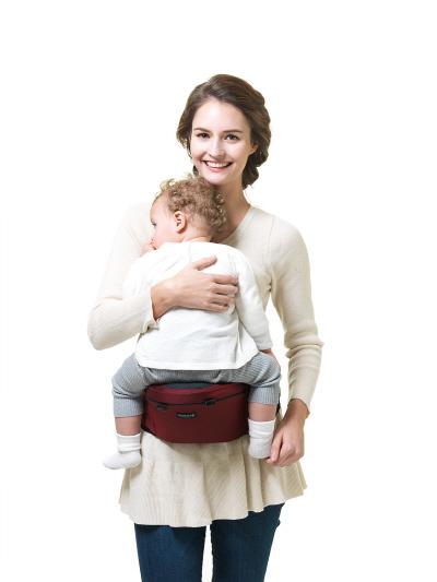 실용적이고 편리하다! 힙시트와 아기띠를 넘나드는 유아용품