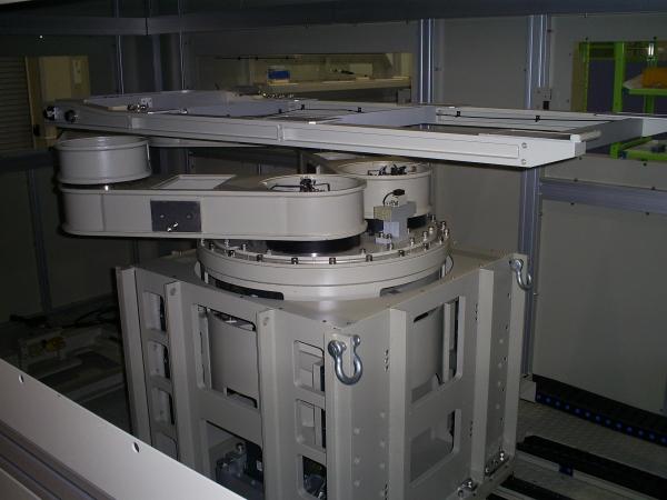 나온테크가 최근 일본시장에 수출한 솔라셀 이송로봇